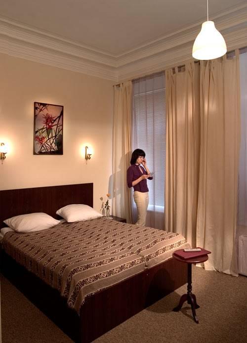 Дешевые гостиницы и отели Санкт-Петербурга - Гостиница Central-Inn в Санкт-Петербурге, номер Полулюкс